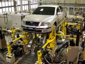 """Zkouška trvanlivosti typu """"road simulation"""" v dynamické zkušebně Škoda Auto a.s."""
